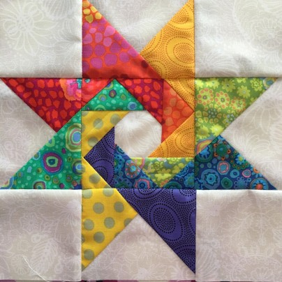 'Spinning star' pattern by Paula Storm
