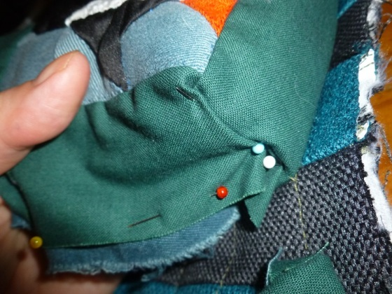 Attaching the front pockets to the bag