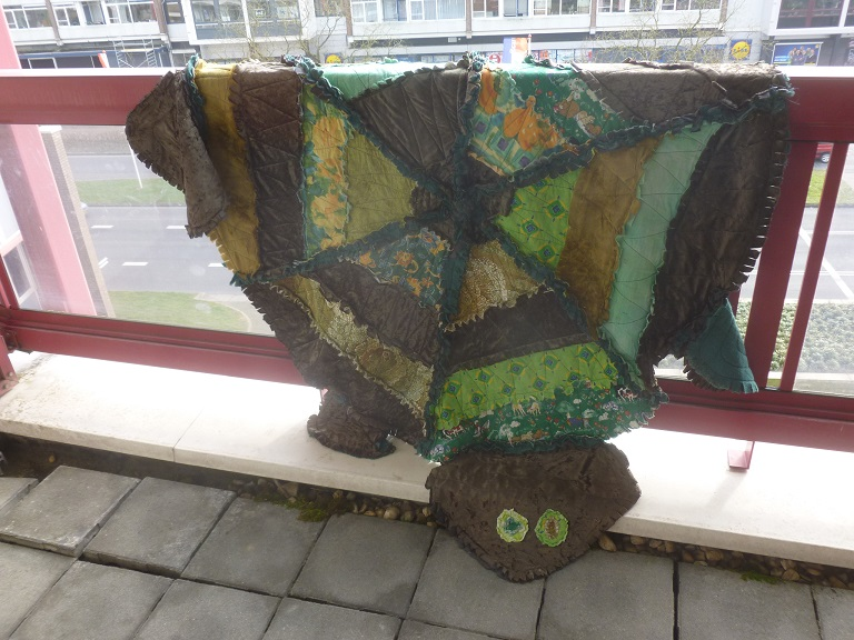 Chilling rag quilt turtle
