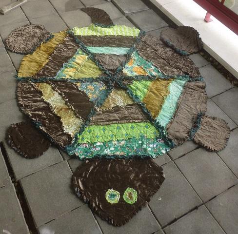 Finished turtle rag quilt