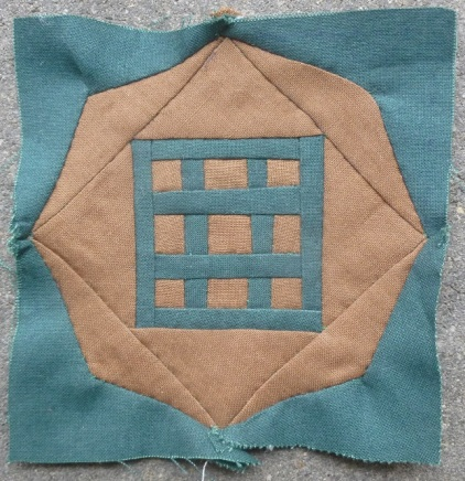 Dear Jane quilt block C-4: Tic tac toe